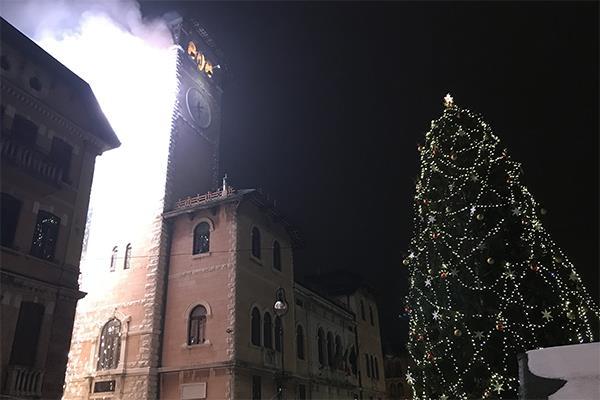 Tradizionale accensione dell'Albero di Natale ad Asiago