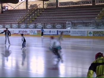 Ice skating in Asiago
