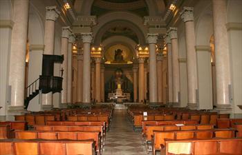 L'interno del Duomo di Asiago