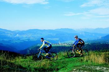 L'Altopiano in mountain bike, paesaggi mozzafiato